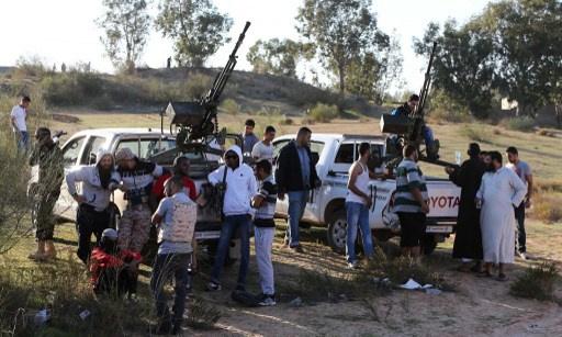 مسؤولو طرابلس يدعون الى تنظيم احتجاجات ضد الميليشيات