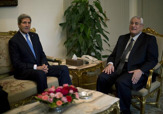 عدلي منصور: مصر تجري إعادة تقييم لعلاقتها مع الولايات المتحدة
