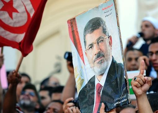 سفير مصر يستأنف عمله في تونس بعد غياب استمر شهرين