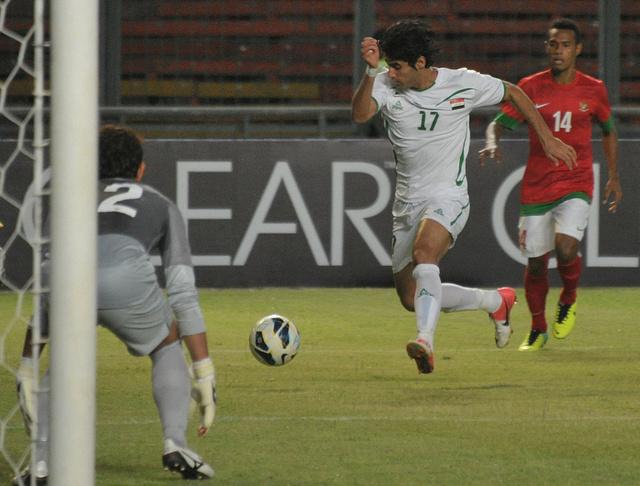 العراق يعزز آماله ببلوغ نهائيات كأس آسيا بثنائية في شباك أندونيسيا