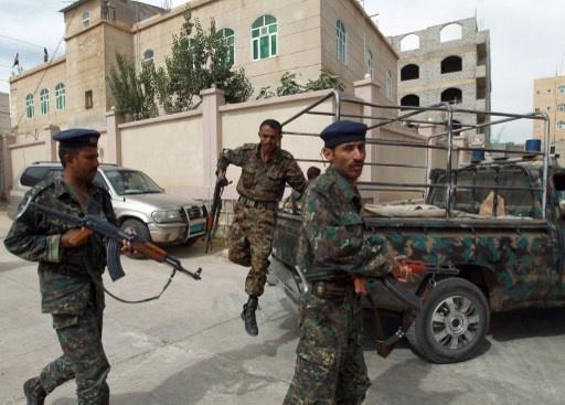 اليمن.. قتلى بينهم عقيد بالجيش في اشتباكات مع مسلحين من القاعدة