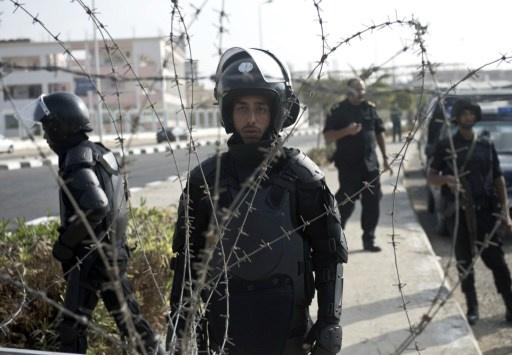 إصابة 4 عناصر من الشرطة بجروح نتيجة انفجار قنبلة في القاهرة