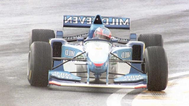 بيع سيارة مايكل شوماخر أسطورة سباقات الفورمولا-1 في مزاد علني