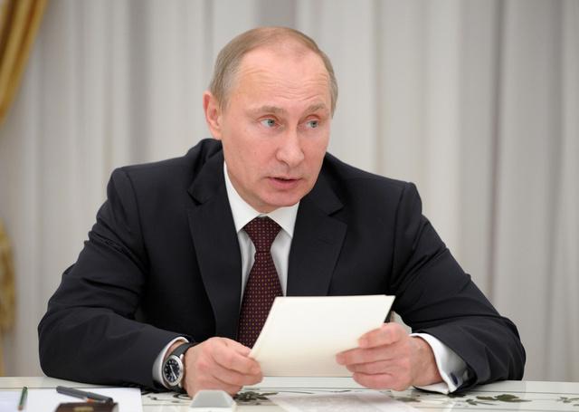 بوتين: السلطات الروسية لا تنوي الضغط على الأحزاب الصغيرة أو قمعها