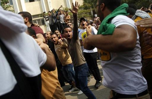 مقتل طالب في اشتباكات بين قوات الأمن المصرية وطلبة في جامعة الأزهر