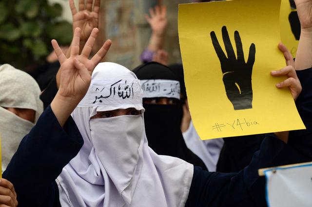محافظ القاهرة يبدي اعجابا باقتراح تغيير اسم ميدان ومسجد رابعة العدوية