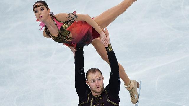روسيا تكتفي بفضية التزلج الفني على الجليد للزوجي في موسكو
