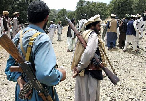 مسلحون مجهولون يختطفون 11 معلما مشاركا في حملة التطعيم ضد شلل الأطفال في باكستان