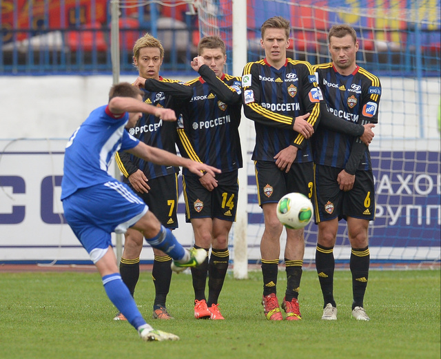 آنجي وفولغا يفترقان بتعادل سلبي في الدوري الروسي