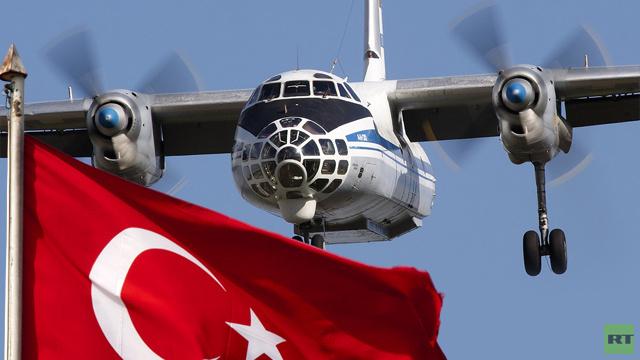 مفتشون عسكريون روس يراقبون الأراضي التركية من الجو (فيديو)