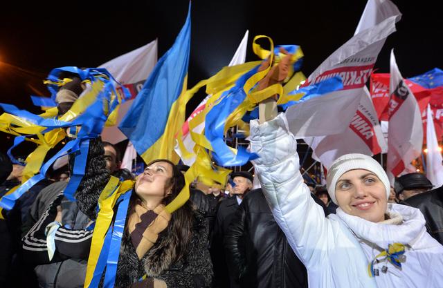 استمرار الاحتجاجات في أوكرانيا.. وتيموشينكو تعلن إضرابا عن الطعام لأجل غير مسمى
