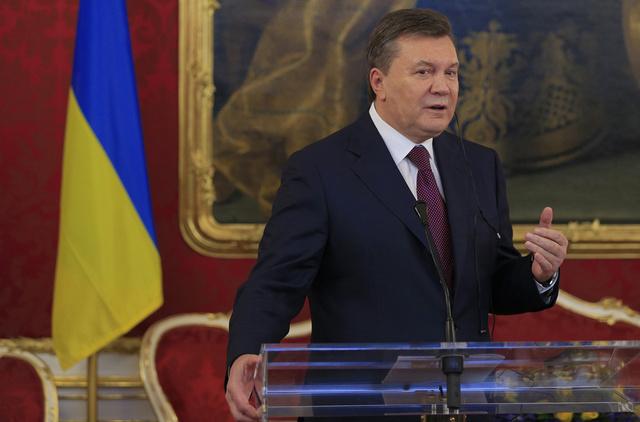 يانوكوفيتش يدافع عن قرار تعليق المفاوضات مع الاتحاد الأوروبي