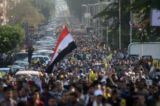 الخارجية الأمريكية تعرب عن قلقها من صدور قانون التظاهر في مصر