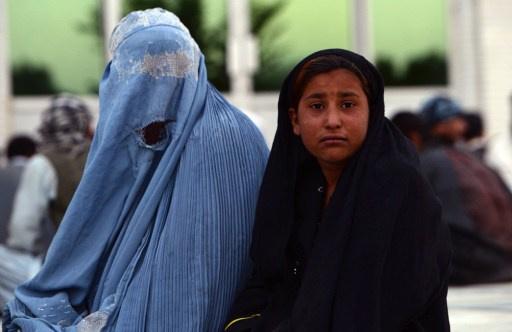 أفغانستان تدرس إعادة العمل بعقوبة الرجم حتى الموت لمرتكبي الزنا