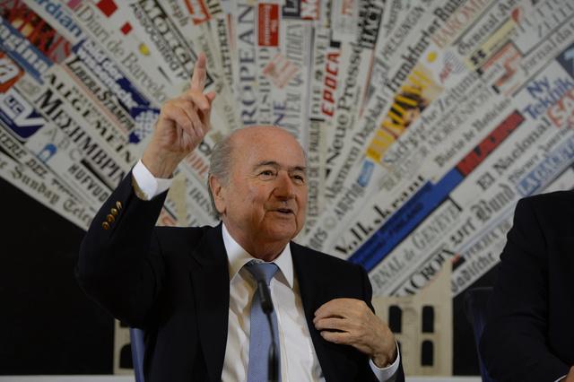 بلاتر يدين هتافات جماهير ريال بيتيس العنصرية ضد باولاو