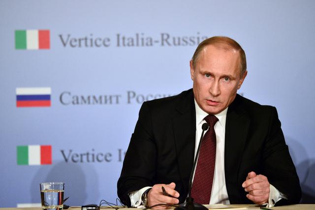 بوتين يقترح عدم تسييس مسألة العلاقات بين موسكو وكييف وبروكسل وإجراء مفاوضات ثلاثية