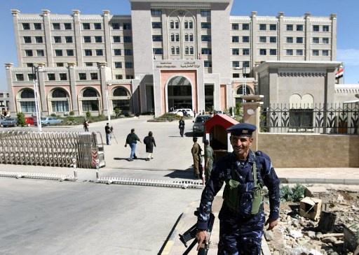 الخارجية اليمنية تدين الاعتداء على مواطنين من بيلاروس في صنعاء