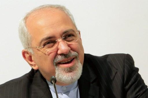 ظريف: إيران ستمضي قدما في البناء بموقع مفاعل آراك النووي