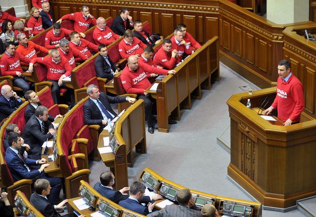 فيتالي كليتشكو يؤكد استعداده للملاكمة مجاناً