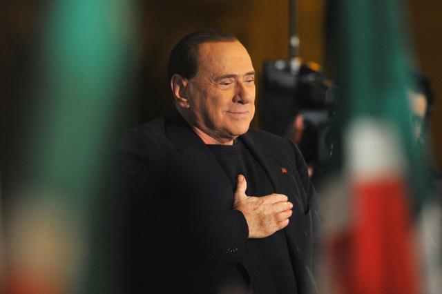 طرد برلسكوني من مجلس الشيوخ الايطالي