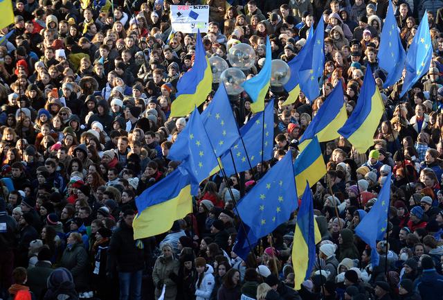 المظاهرة الطلابية في كييف تطالب يانوكوفيتش بتوقيع اتفاقية الشراكة مع بروكسل