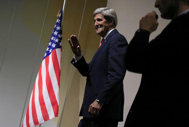 كيري الى الشرق الأوسط من جديد بداية الشهر القادم لمناقشة الملف الايراني وعملية السلام