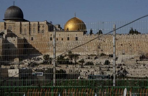 اشتباكات في القدس بعد اقتحام الأقصى من قبل مستوطنين.. والجيش الإسرائيلي يعتقل 12 فلسطينيا في الضفة