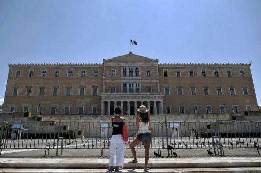 منظمة التعاون الاقتصادي تتوقع انكماش اقتصاد اليونان في 2014 للعام السادس على التوالي