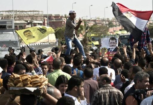 مسيرات لأنصار مرسي تجوب المدن المصرية بعد صلاة الجمعة ومواجهات مع الشرطة