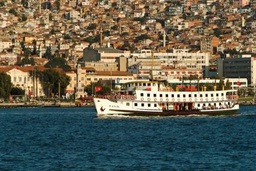 5 قتلى سوريين بغرق زورق قبالة السواحل التركية