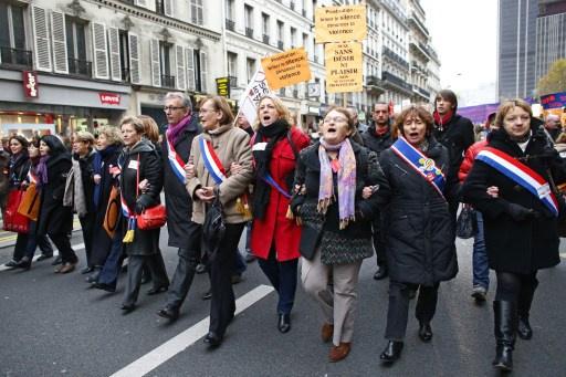 جمعيات ومنظمات حقوقية فرنسية تنظم مسيرة شعبية مناهضة للعنصرية والعنف
