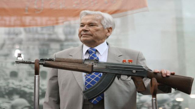 وفاة مصمم السلاح الأسطوري الروسي