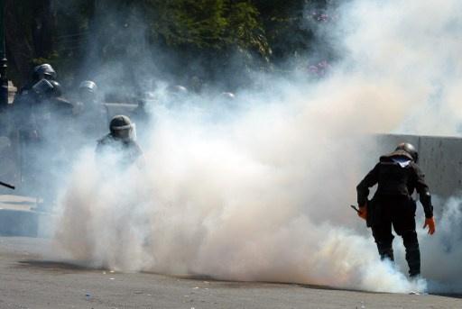 متظاهرون يسيطرون على مبنى للتلفزيون التايلاندي.. وسقوط 5 قتلى جراء أعمال العنف