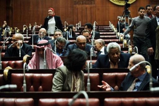 أربعة مواد تعطل إقرار مشروع الدستور المصري الجديد