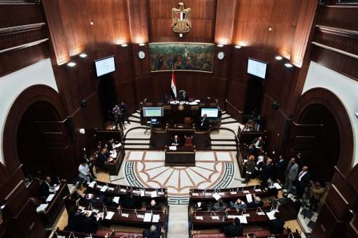 أحزاب مصرية ترحب بمشروع الدستور قبيل رفعه للرئيس