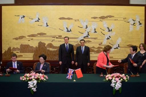 بريطانيا والصين تبحثان تعزيز العلاقات الاقتصادية وكاميرون يأمل باتفاق لتحرير التجارة