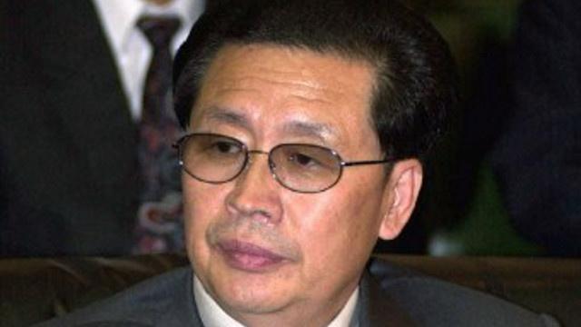 إبعاد زوج عمة زعيم كوريا الشمالية عن السلطة بعد إعدام اثنين من المقربين منه
