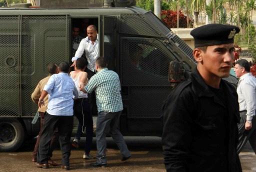 إصابة ثلاثة مجندين في الأمن المركزي أثناء تظاهرة طلاب الأزهر في أسيوط تأييدا للإخوان