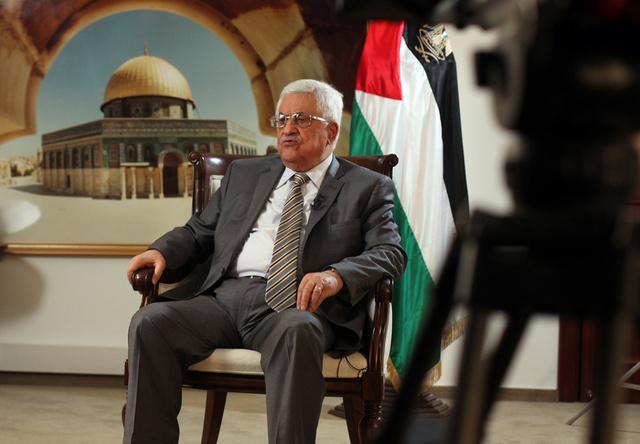 عباس يحذر من أن فلسطين ستذهب الى الهيئات الدولية في حال فشل المفاوضات مع اسرائيل