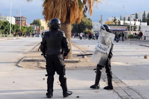 الرئاسة التونسية: دفعنا بالحوار الوطني نحو النجاح لأن فشله يعني سيادة العنف