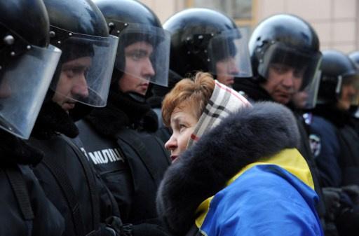 الناتو يدعو الحكومة الاوكرانية إلى عدم استخدام العنف ضد المتظاهرين