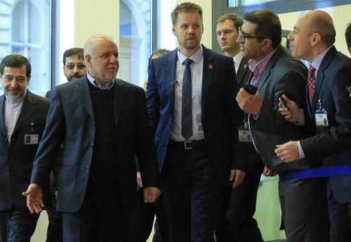 إيران تخطط لجذب شركات نفط غربية للاستثمار في قطاع الطاقة