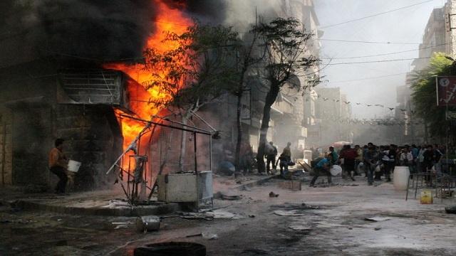 17 قتيلا و30 جريحا في قصف على حيين سكنيين بحلب