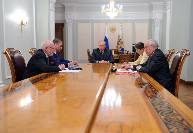 بوتين يؤيد مشروع العفو بمناسبة الذكرى الـ 20 للدستور الروسي