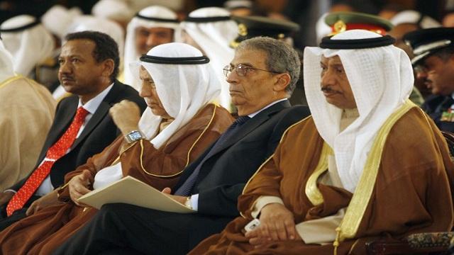 عمرو موسى: زمن الحاكم الذي يقرر ذهب بلا رجعة، والشعب هو من يقرر الآن