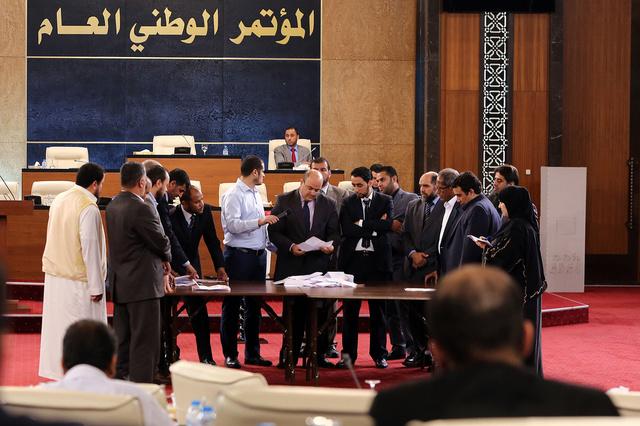 المؤتمر الوطني العام يجعل الشريعة الاسلامية مصدرا للتشريع في ليبيا