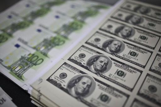 اليورو قرب أعلى مستوياته في 5 أسابيع أمام الدولار في التعاملات الآسيوية