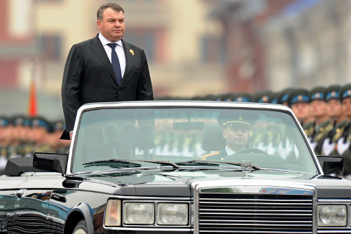 توجيه تهمة الاهمال لوزير الدفاع الروسي السابق.. وهو ينفي