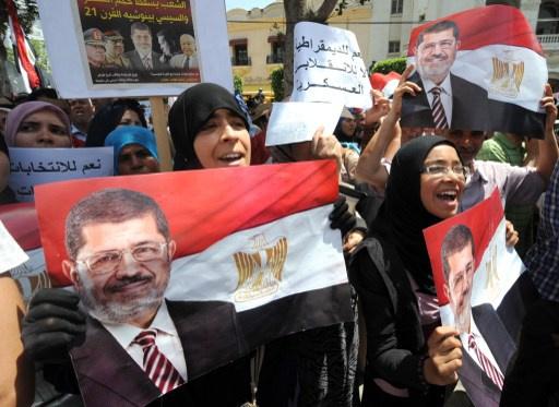 اسوشيتد برس: الداخلية المصرية تمنع الزيارات عن مرسي