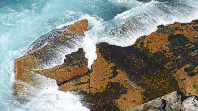 المياه العذبة في قيعان المحيطات أكثر منها على اليابسة